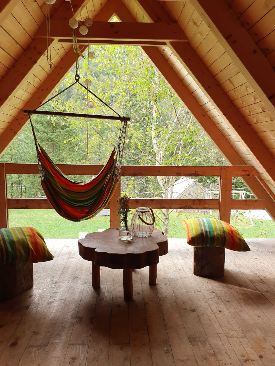 Glamping Slowenien: Camp Korita - Chill out Bereich